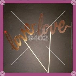 "Text toper ""love"""